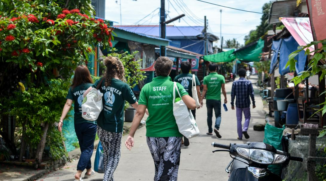 High School Special volunteers go sightseeing during their Care & Community project in Cambodia.